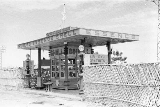 HANOI 1940 - Shell gas station