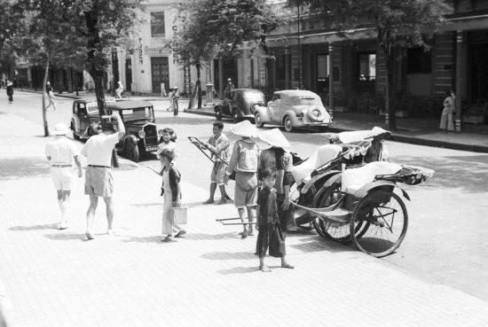 HANOI 1941 - Street scene 2