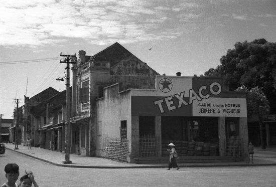 Hanoi 1941 - Texaco advertisement