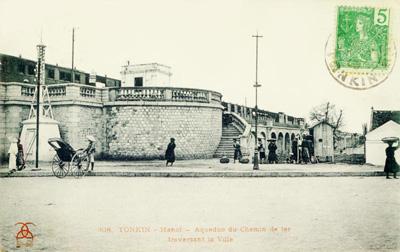 Ga Đầu Cầu tuy nhỏ nhưng đẹp và tiện lợi cho khách nhờ có 2 lối lên