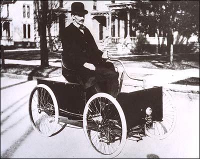 001.Chiếc 'bốn bánh' đầu tiên của Henry Ford