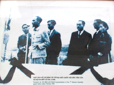 017. Chính phủ nước Việt Nam Dân chủ cộng hoà sau cuộc tổng tuyển cử trong cả nước năm 1946, Hồ Chí Minh được bầu làm Chủ tịch nước