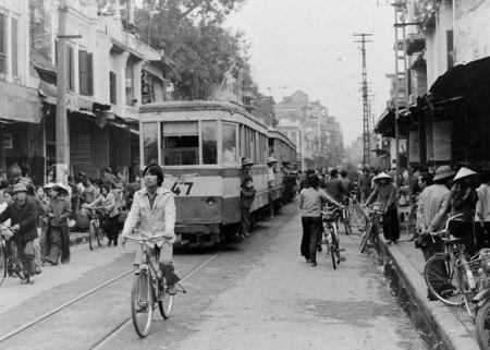 020.Phố Đồng Xuân-Hàng Đường nhìn về phía Bờ Hồ