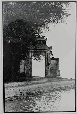 032.Cổng chùa Trấn Qốc, Hồ Tây