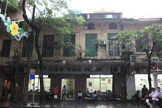 034.Cửa hàng cắt tóc Mậu Dịch (số 6 Tràng Thi, Hoàn Kiếm, Hà Nội)