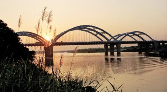 Cầu mới Đông Trù. Ảnh: Công Tiến Thịnh