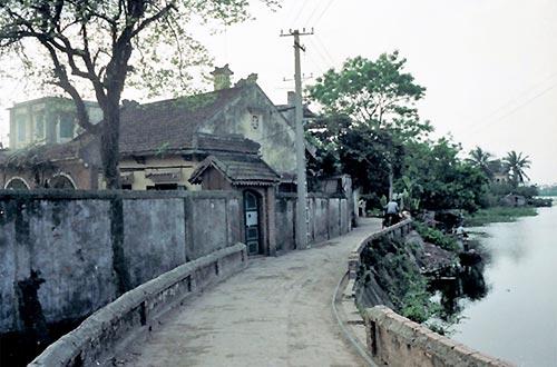 """Bức """"Hồ Tây"""" (Hà Nội, 1988-1991)."""