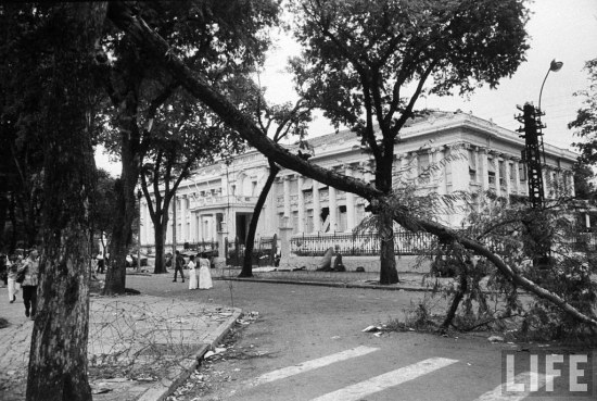 01 Nov 1963 - Presidential Palace after military coup that overthrew Diem