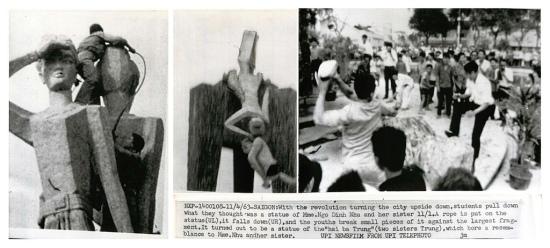 4-11-1963 SAIGON: Sau cuộc cách mạng, sinh viên học sinh giận dữ đập đổ tượng đài Hai Bà Trưng, họ nghĩ rằng đó là bức tượng của Bà Ngô Đình Nhu. (UPI Telephoto)