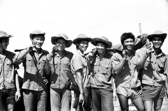 Chiến sỹ trẻ đảo Đá Lát tháng 5/1988.(NVT)