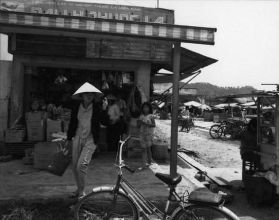 Hiệu tạp hóa ở Lâm Đồng.