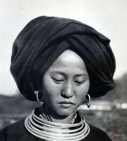 Phụ nữ người H'mông, miền Bắc Việt Nam.