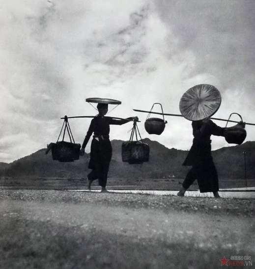 Người nông dân Cao Bằng trở về nhà từ phiên chợ.