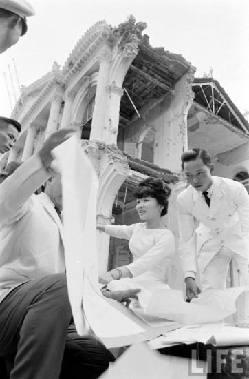 Sau vụ tấn công, Nguyễn Văn Cử đã bay sang Campuchia tị nạn trong khi Phạm Phú Quốc bị bắt do máy bay bị bắn trúng và phải hạ cánh ở Nhà Bè. Sau khi Ngô Đình Diệm bị ám sát ngày 2/11/1963, Cử đã trở về Việt Nam, Quốc được thả tự do. Hai người này tiếp tục phục vụ trong không quân Sài Gòn.