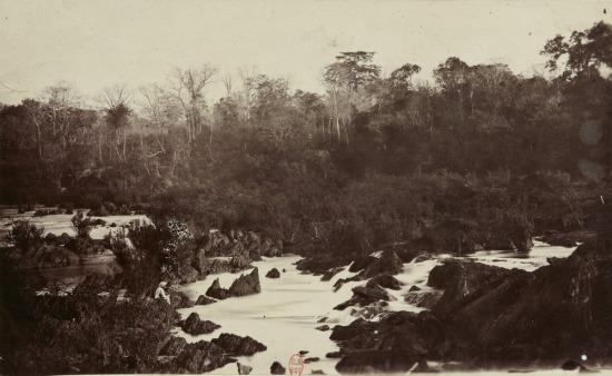 Thác Trị An trên sông Đồng Nai.