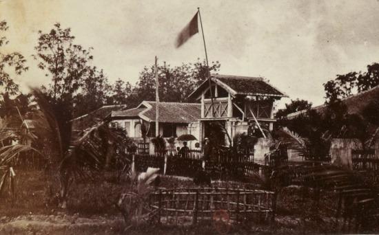 Đồn bốt của Pháp ở Vĩnh Long.