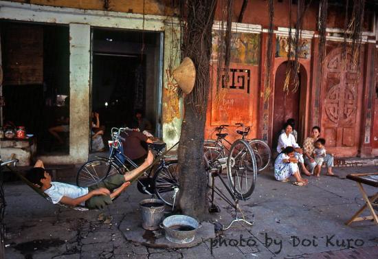 Một góc phố cổ Hà Nội năm 1990.