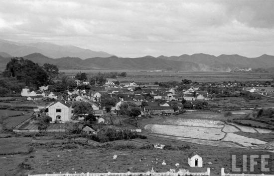 Một ngôi làng khang trang ở Lạng Sơn, với những ngôi nhà gạch, mái ngó