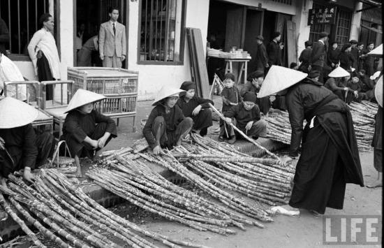 Những người bán mía ở chợ Kỳ Lừa, ngôi chợ lâu đời nhất Lạng Sơn.