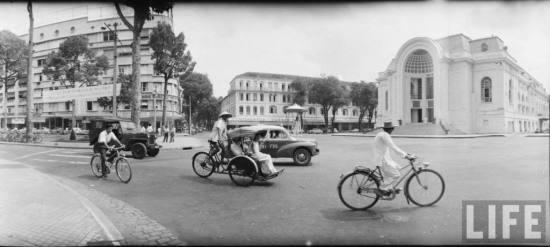 Trụ sở Quốc hội chính quyền Sài Gòn, nay là Nhà hát lớn TP HCM.