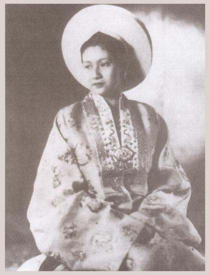 Nam Phương trong Lễ tấn phong Hoàng hậu, ngày 21/3/1934.