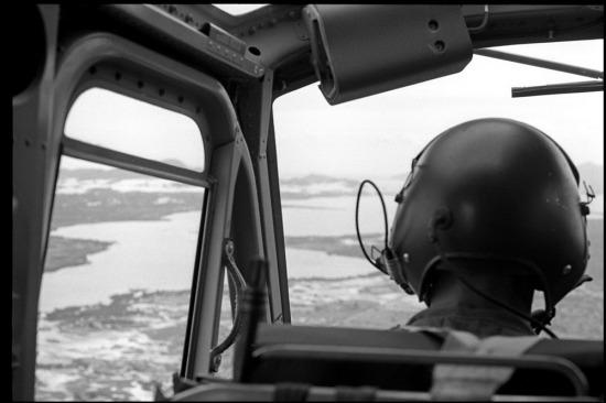Khung cảnh của cảng Cam Ranh nhìn từ trên máy bay năm 1965.