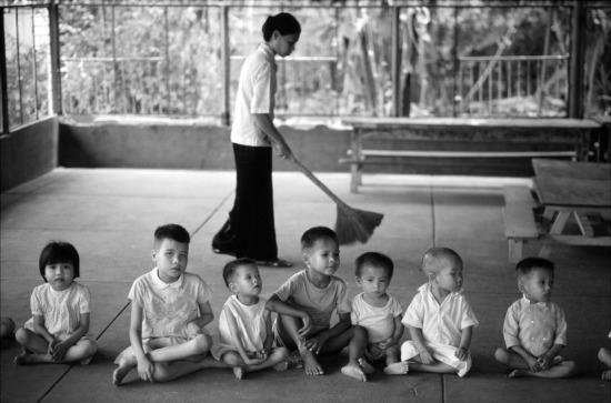 Trại trẻ mồ côi số 6, TP HCM.
