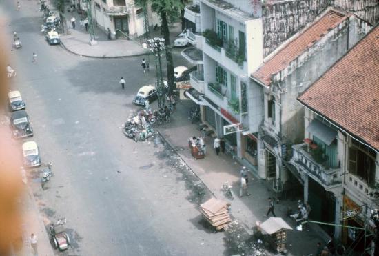 Ngã ba Nguyễn Văn Thinh - Phan Văn Đạt.