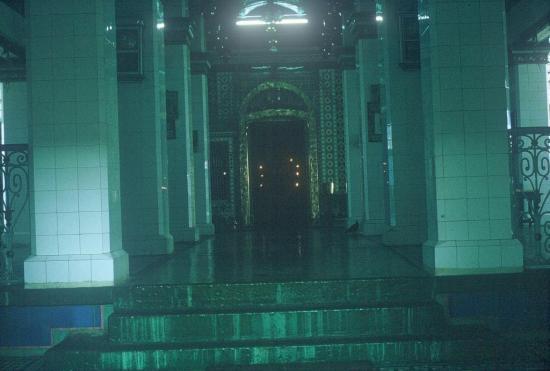 Bên trong đền thờ Hindu giáo ở đường Trương Công Định, Sài Gòn