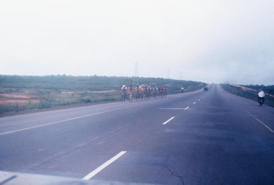 Trên xa lộ Biên Hòa.