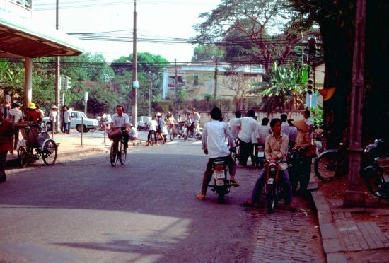 Đường Nguyễn Du.