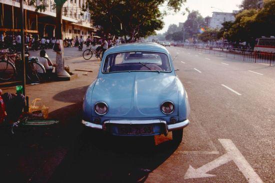 Xe taxi trên đường Lê Lợi.