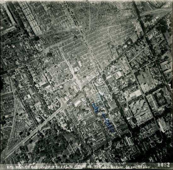 Ngã 6 Phù Đổng (góc dưới trái) và đường Lê Văn Duyệt.