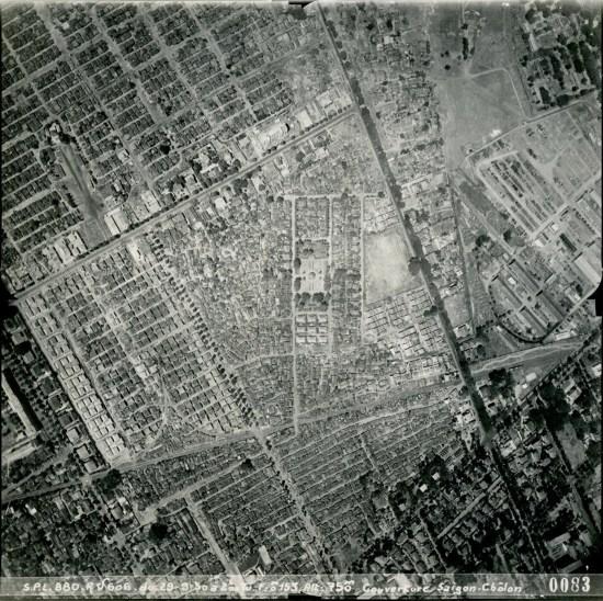 Hình chữ nhật nằm ở chính giữa bức ảnh là khu cư xá Đô Thành.