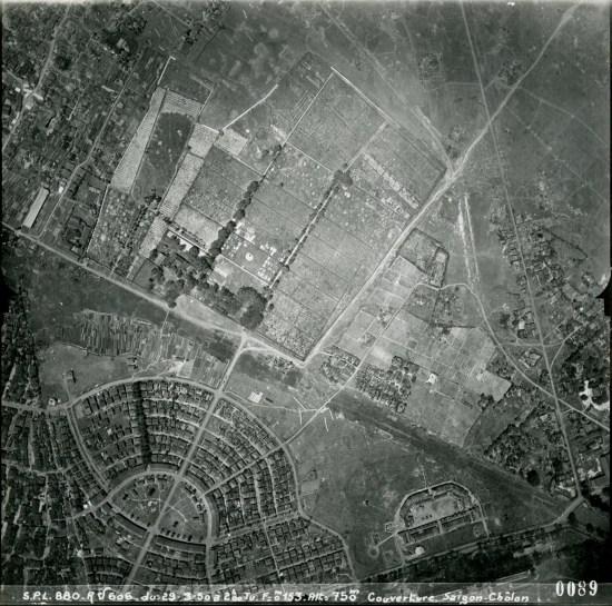 """Phía trên """"Kiến Ốc Cục"""" là nghĩa trang Phú Thọ."""