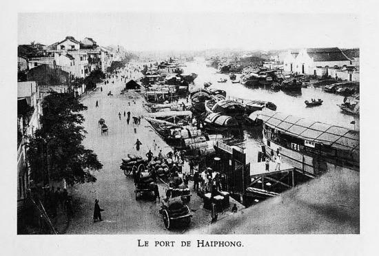 Cảng Hải Phòng năm 1931. Ảnh: Henri Gourdon.