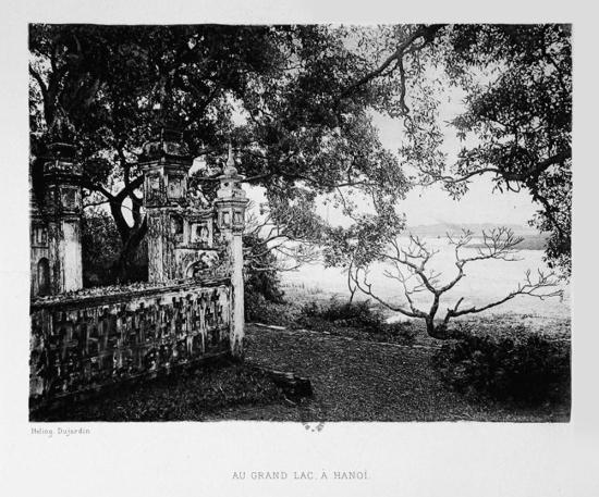 Một góc Hồ Tây, Hà Nội.