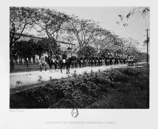 Một đơn vị quân đội người Việt ở Hà Nội.