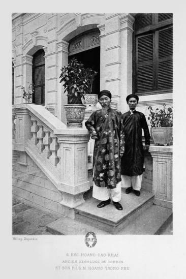 Hoàng Cao Khải (1850–1933), nhà văn, nhà sử học và là đại thần thân Pháp dưới triều vua Thành Thái trong lịch sử Việt Nam và con trai là Hoàng Trọng Phu.