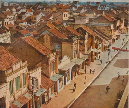 Một góc nhìn tuyệt đẹp về khu phố cổ Hà Nội thập niên 1950.