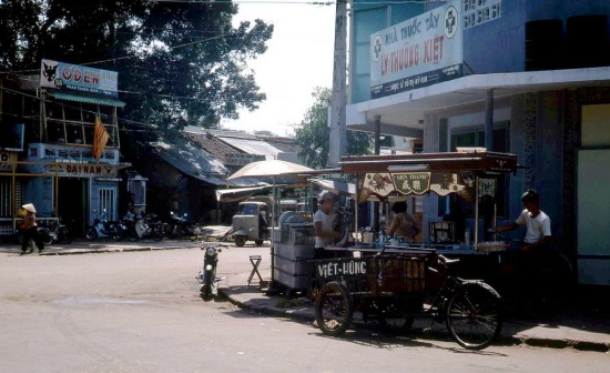 Ngã tư Phan Thanh Giản - Lý Thường Kiệt.