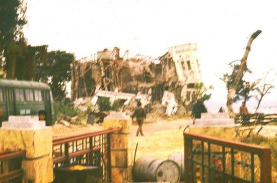 Tàn tích của chiến tranh ở quận Hồng Bàng, Hải Phòng.