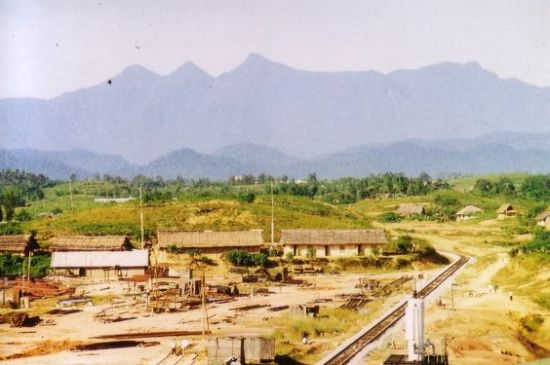 Công trường nhà máy cán thép Gia Sàng, Thái  Nguyên, 1973.