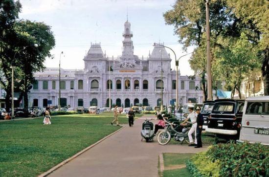 Tòa Đô Chánh (sau 1975 là trụ sở Ủy ban nhân dân TP )