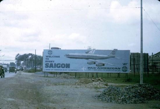 """Biển chào mừng """"Welcome to sunny SaiGon"""" của hãng hàng không Pan American"""