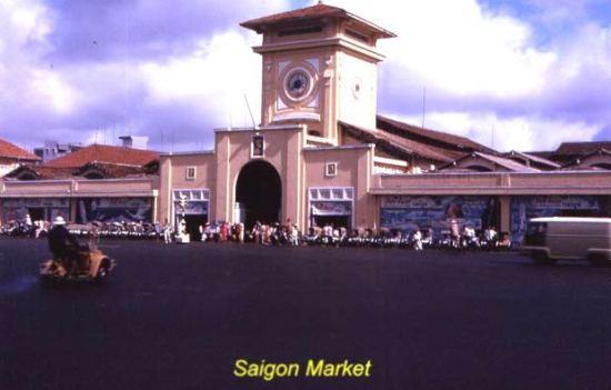 Chợ Bến Thành - Một biểu tượng Sài Gòn.