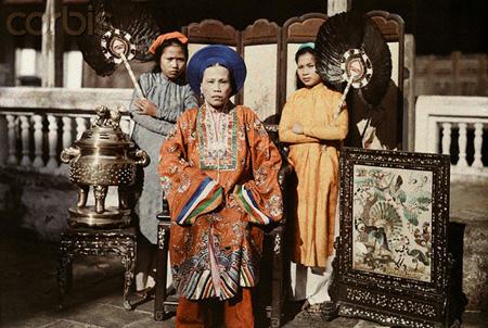 Bà Chúa Nhất, trưởng nữ của vua Dục Đức, chị cả của vua Thành Thái, ảnh chụp năm 1931