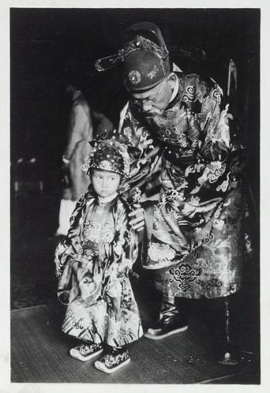 Thái tử Bảo Long, con vua Bảo Đại, ảnh chụp năm 1936