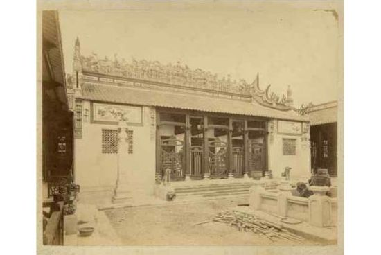 Khu nhà Nam Kỳ, có vẻ giống những kiến trúc của người Hoa ở Chợ Lớn. Gian Nam Kỳ không phục dựng lại nguyên một tòa nhà nào bản xứ mà sử dụng một sự pha trộn của nhiều phong cách kiến trúc bản địa. Các ngôi chùa và nhà cổ là nguồn ý tưởng chính.