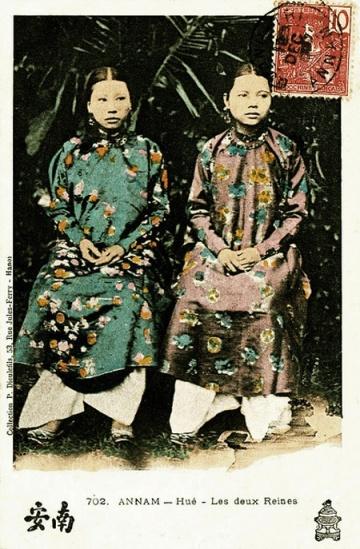 Hai người vợ của vua Thành Thái năm 1907
